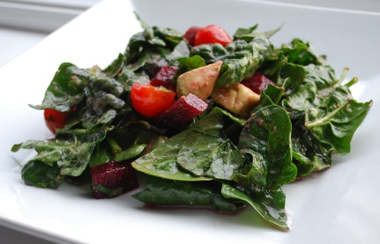 Light of beet and spinach salad