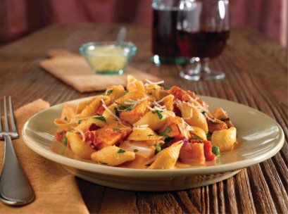 Light wheat pasta with pumpkin sauce