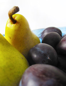 eating plums and pears